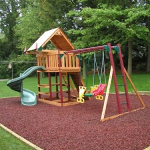 playground red mulch